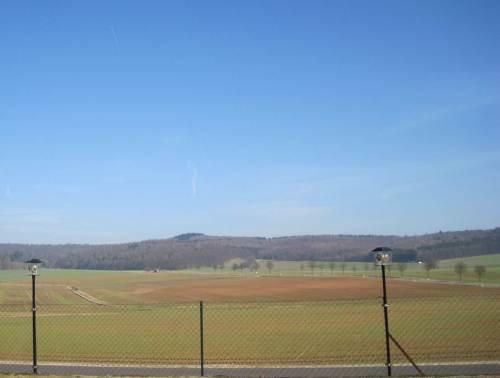 Offener Blick aufs Bergland - Agrar hat mal wieder freigeräumt.