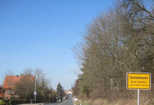 Immerhin habe ich jetzt auf einem kleinen Abstecher Sachsenhausen erreicht. Hier mache ich kurz Rast bei Freunden auf einem Biohof.