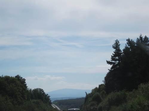 Schnell ist Braunschweig passiert, gen Süden abgebogen und bald kommt der Brocken in Sicht.