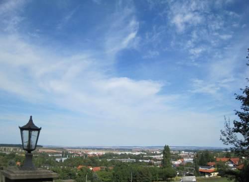 Blick von unserer Ferienwohnung nach Osten über das Harzvorland.
