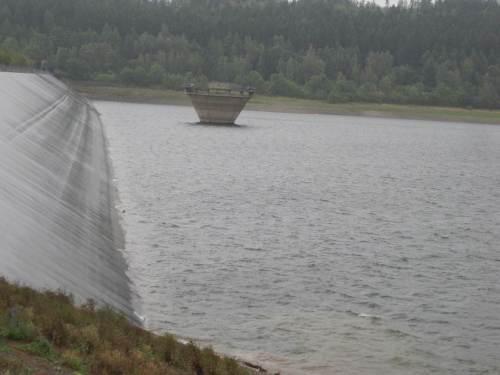Damm und Überlaufeinrichtung der Innerstetalsperre
