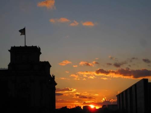 Sonnenuntergang mit Reichstag
