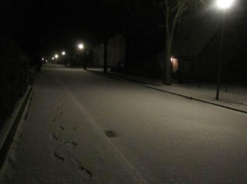Guten Morgen, Nikolaustag!Blick zurück auf einsame Spur.