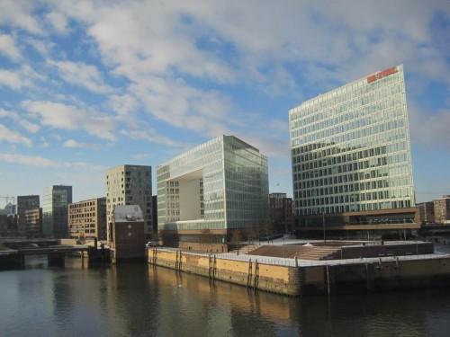 Vorbei an Hamburger Spitzen - muss man dieses Sammelsurium an Architektur eigentlich gut finden?