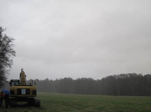 Auf den Rest - muss das denn sein?! - es windet und regnet wieder 45 Grad. Nein, nicht Celsius - Winkel. Da macht man`s wie`s Vieh - Rücken hindrehen.