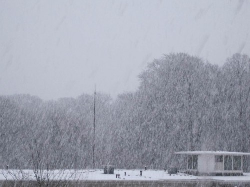 Auch in Hamburg war die ganze Woche über mit gelegentlichem starken Schneien zu rechnen gewesen.