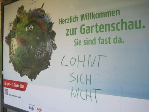 Am S-Bahnhof Wilhelmsburg - Abfahrt nach Hause - konnten Meinungen von Besuchern der IGS 2013 studiert werden. Dies ist eine davon - muss man nicht teilen.