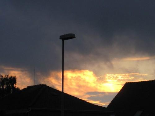 Der Abendhimmel kurz vor Sonnenuntergang entschädigt für das (Fast)Nasswerden.