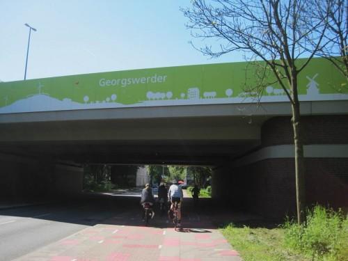 """Wir radeln durch Georgswerder - der Energieberg (früher hiess der """"Müllberg"""") ist unser Ziel."""
