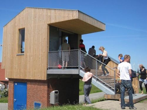 Die Deichbude Götjensort, eine gute Idee zur Informationsvermittlung. Wir treffen eine Studentengruppe aus Hannover - viele Landschaftsarchitekten aus vielen Unis lernen hier viel.