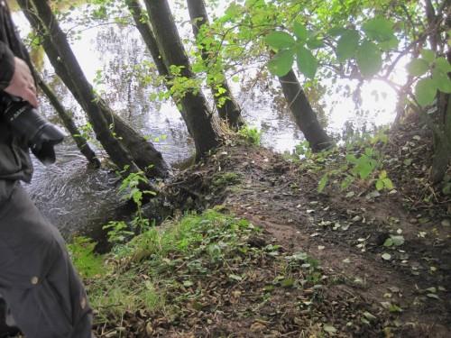 Der Ausstieg und die Schleifspur zur Burg sind noch nass - hier wird aktuell gearbeitet.