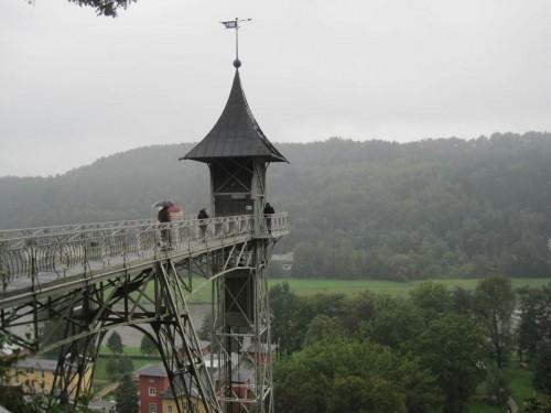 Kleiner Ausflug - Fahrstuhlturm Bad Schandau mit Blick übers Elbetal.