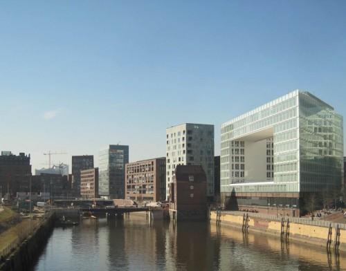 Aus der frohen und Hanselstadt Hamburg geht`s mit den Zug fix gen Süden.
