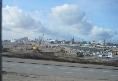 Von den Norderelbbrücken: Kirchturm-Skyline Hamburgs. Geniessen wir sie, so lange sie noch nicht zugebaut ist.