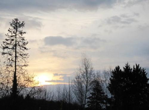 Frühstückssonnenaufgang - ein den Tag über durchziehendes, stürmisches Regen-Tief ist angesagt.