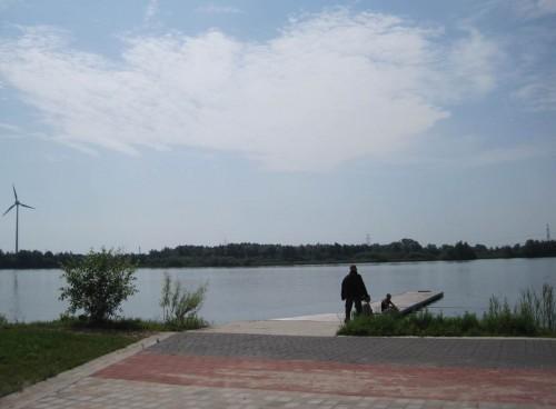 Bei 30 Grad im Schatten in voller Sonne zu angeln ... - da muss man wohl Masochist sein?