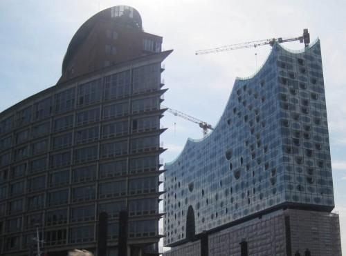 Uuuh, ist das spitz, Manns! Das Austoben von Architektenwahn in Hamburg ist seit langem Mode.