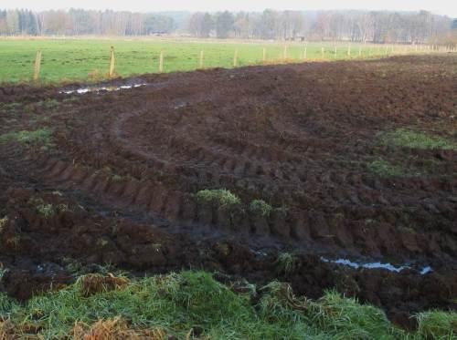 """""""Schlagkräftige Landwirtschaft"""": Mantsche, Mantsche - nein, nicht Timpeteh -, auch keine Kornkreise. Bodenschützern kommen da nur noch die Tränen."""