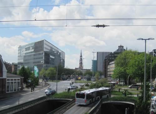 Na gut, der Blick auf St. Katharinen wird bei gelegentlichen Zugfahrten noch möglich.