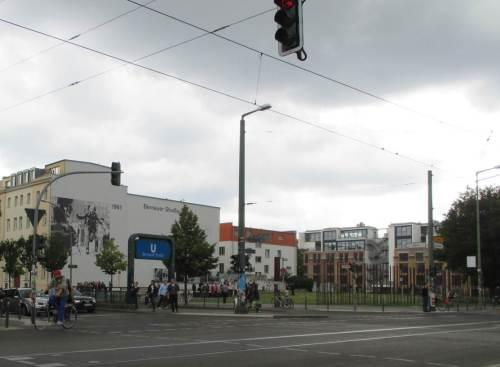 Bernauer Straße - der Sprung ...