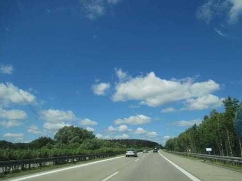 Tags drauf sausen wir bei bestem Wetter durch mehrere Nordländer gen Heimat.