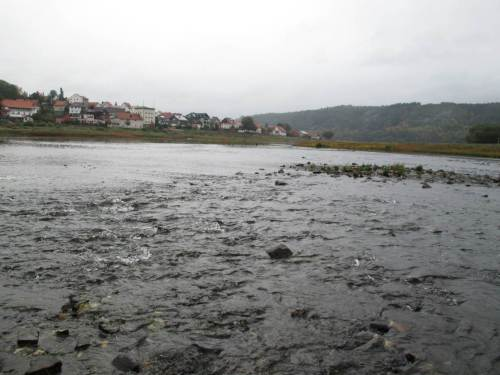 Immer wieder beeindruckend sind die riesigen Geröllrauschen, die die Eder vor Bau der Talsperre als einen der wichtigsten Lachs-Laichflüsse berühmt machten.