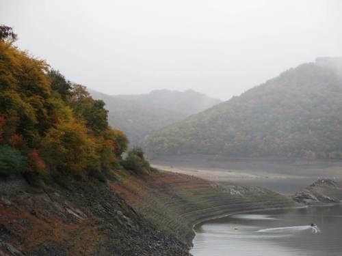 Wenn da nicht der steile Einschnitt gleich am Übergang vom Hammerberg wäre. Ob der trocken liegt, kann ich noch nicht erkennen.