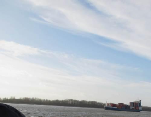 So richtig und eigentlich setzt Hamburg aber auf - gröööößere - ContainerSchifffahrt.