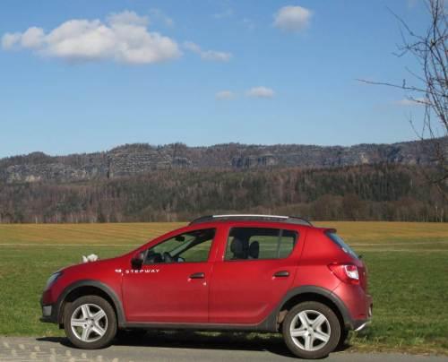 Die Sächsische Schweiz ist bunt - Blick von Schöna auf die Schrammsteine.