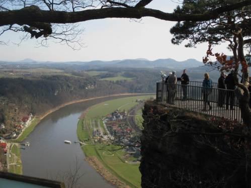 Elbtalblick von der Bastei gen Südosten.