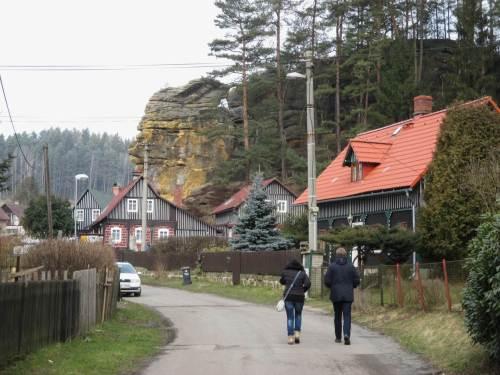 Nach Treffen mit unserer Führerin in Decin ging es dann zur Bergtour nach Jetrichovice.