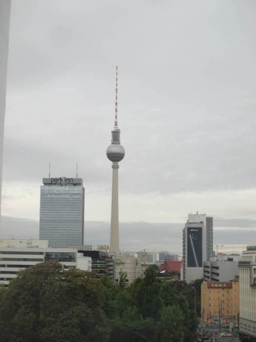 Blick aus der Unterkunft, dichter am Alexanderplatz.