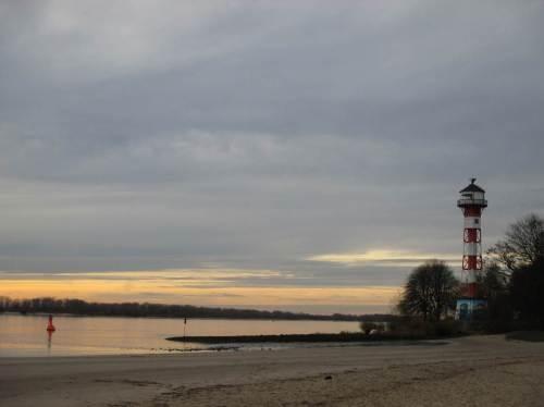 Sandstrand - was will der Elbe-Spaziergänger mehr?!