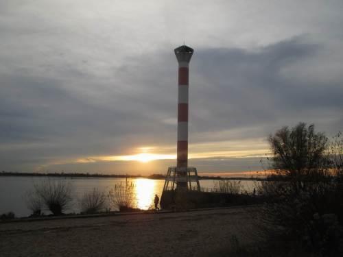 Nun heisst es Abschied nehmen vom Blankeneser Leuchtturm - ich will nicht im Stockdustern nach Hause radeln.