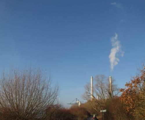 Das Kohlekraftwerk Wedel - eigentlich ein historischer Anblick, der uns vermutlich wegen Fehlplanungen noch länger erhalten bleibt.