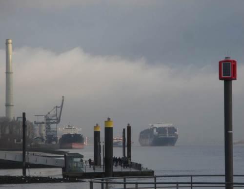 Blick von Westen über die Elbe zur Landesgrenze Schleswig-Holstein - Hamburg.