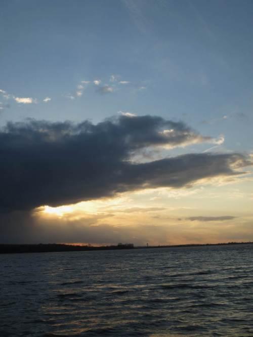 Aufgehende Sonne über Niedersachsen, Detail - kurz vorm abendlichen Untergehen.